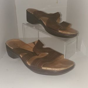 Clark's bendable leather sandal chestnut size 11